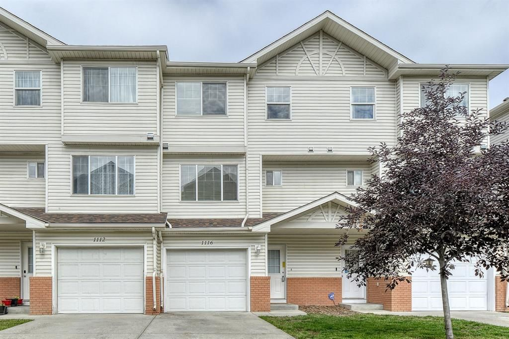 Main Photo: 1116 7038 16 Avenue SE in Calgary: Applewood Park Row/Townhouse for sale : MLS®# A1142879
