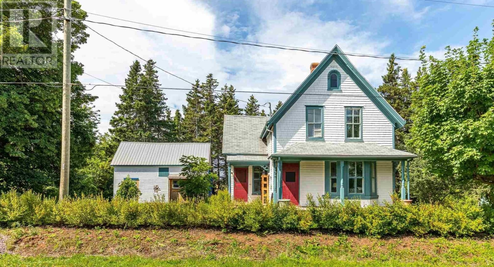 Main Photo: 2141 Route 112 in Central Bedeque: House for sale : MLS®# 202121412