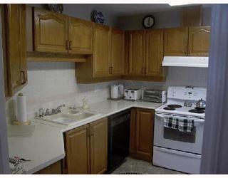 """Photo 4: 2 11502 BURNETT Street in Maple_Ridge: East Central Townhouse for sale in """"TELOSKY VILLAGE"""" (Maple Ridge)  : MLS®# V664568"""