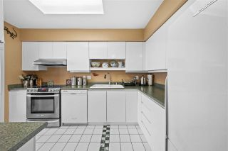 """Photo 3: 2402 6888 STATION HILL Drive in Burnaby: South Slope Condo for sale in """"SAVOY CARLTON"""" (Burnaby South)  : MLS®# R2561740"""