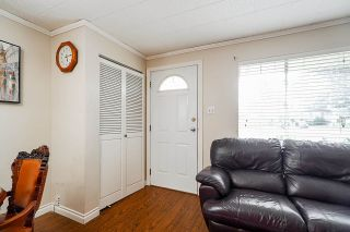 Photo 4: House for sale