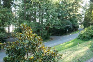 Photo 2: 4181 ROSE Crescent in West Vancouver: Sandy Cove House for sale : MLS®# R2102445