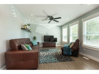 Photo 2: 5073 205 Street in Langley: Langley City House for sale : MLS®# R2371444