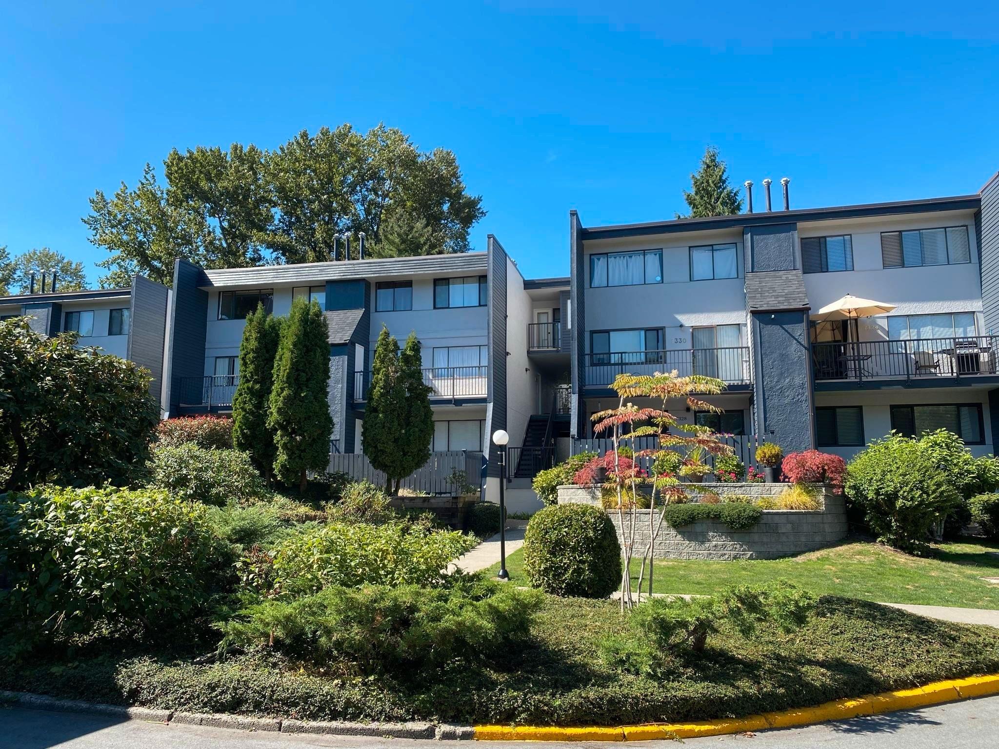 """Main Photo: 7338 CORONADO Drive in Burnaby: Montecito Townhouse for sale in """"Villa Montecito"""" (Burnaby North)  : MLS®# R2614983"""