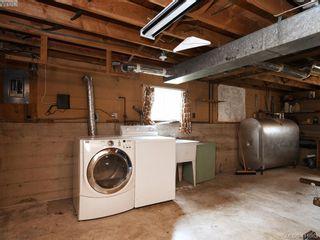 Photo 15: 2951 Cedar Hill Rd in VICTORIA: Vi Oaklands House for sale (Victoria)  : MLS®# 816786