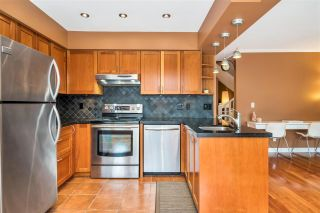 """Photo 14: 9279 GOLDHURST Terrace in Burnaby: Forest Hills BN Townhouse for sale in """"Copper Hill"""" (Burnaby North)  : MLS®# R2466536"""