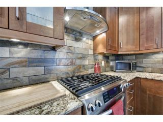 Photo 1: 9836 5 Street SE in Calgary: Acadia House for sale : MLS®# C4002071