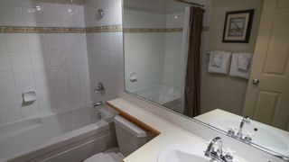 """Photo 12: 121 4800 SPEARHEAD Drive in Whistler: Benchlands Condo for sale in """"Aspens"""" : MLS®# R2485540"""