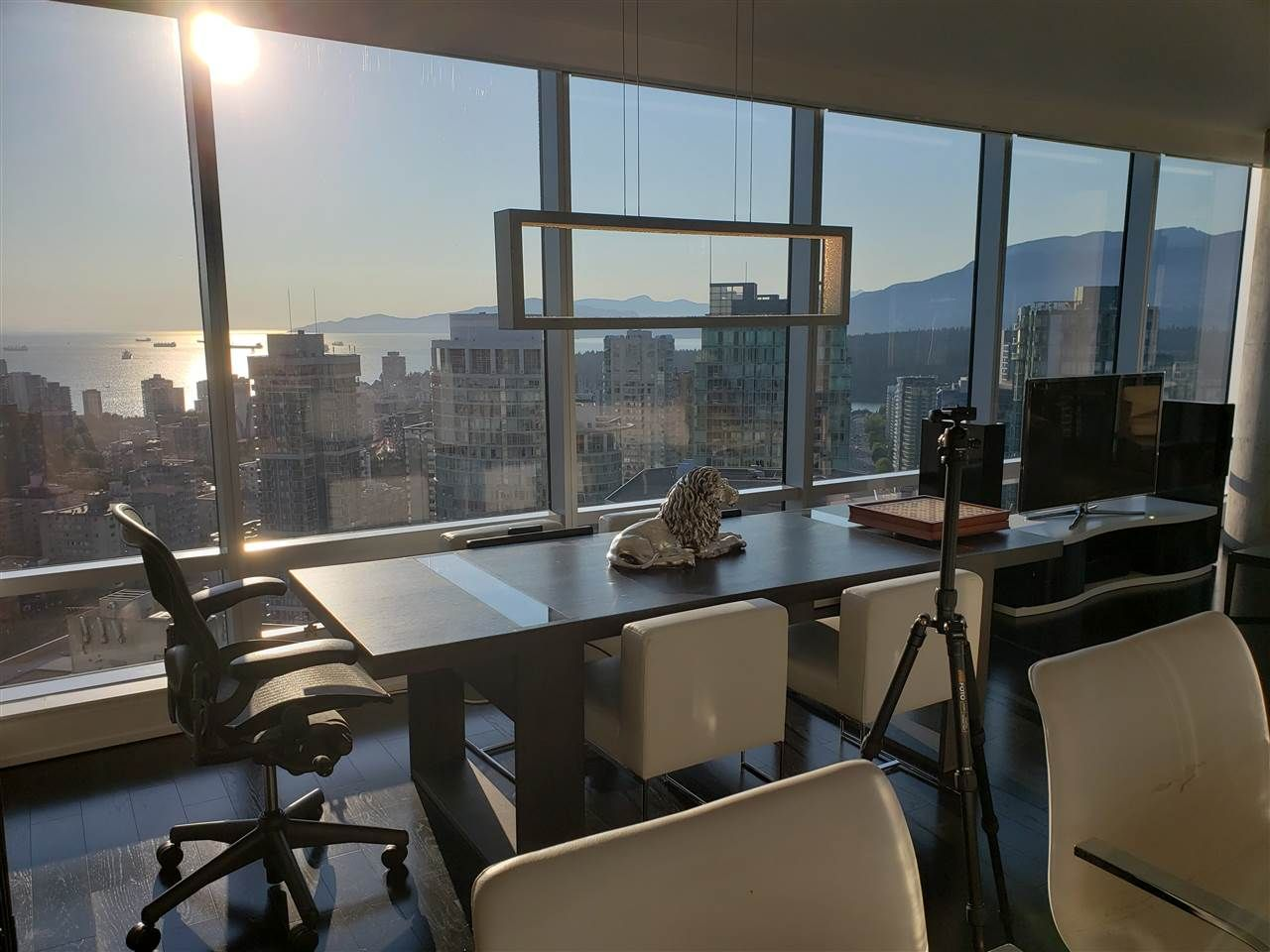 """Main Photo: 3402 1111 ALBERNI Street in Vancouver: West End VW Condo for sale in """"Shangri-La Live/Work"""" (Vancouver West)  : MLS®# R2482149"""