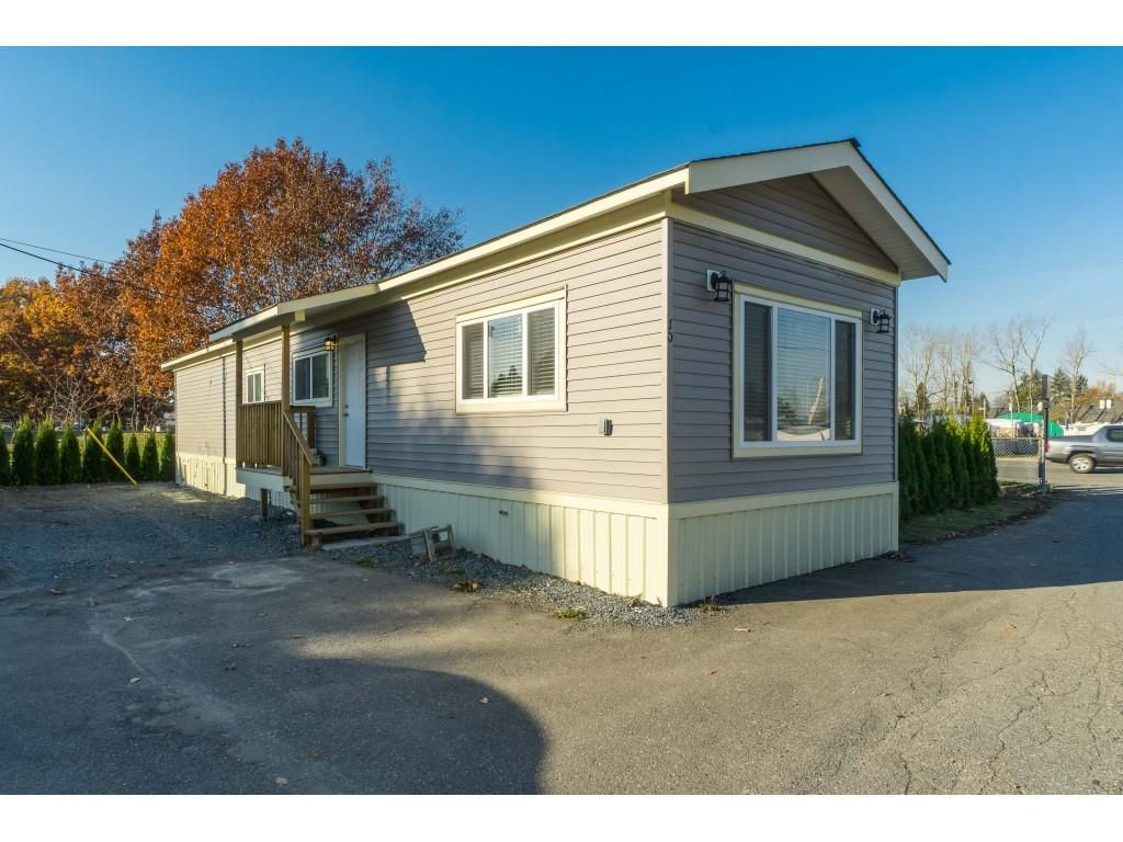 """Main Photo: 10A 26892 FRASER Highway in Langley: Aldergrove Langley Manufactured Home for sale in """"Aldergrove Mobile Home Park"""" : MLS®# R2416854"""