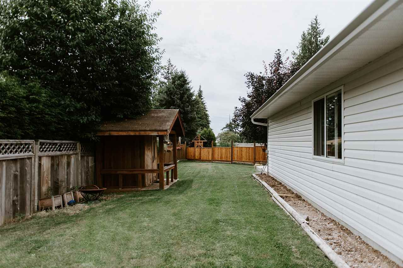 Photo 17: Photos: 5474 CARNABY Place in Sechelt: Sechelt District House for sale (Sunshine Coast)  : MLS®# R2497267