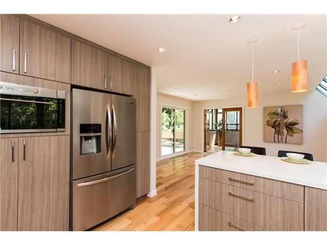 """Photo 4: Photos: 1810 RIVERSIDE Drive in North Vancouver: Seymour House for sale in """"RIVERSIDE"""" : MLS®# V1130790"""