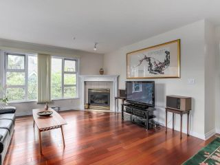 """Photo 4: 307 988 W 54TH Avenue in Vancouver: South Cambie Condo for sale in """"HAWTHORNE VILLA"""" (Vancouver West)  : MLS®# R2284275"""