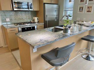 """Photo 3: 303 89 W 2ND Avenue in Vancouver: False Creek Condo for sale in """"Pinnacle Living False Creek"""" (Vancouver West)  : MLS®# R2536464"""