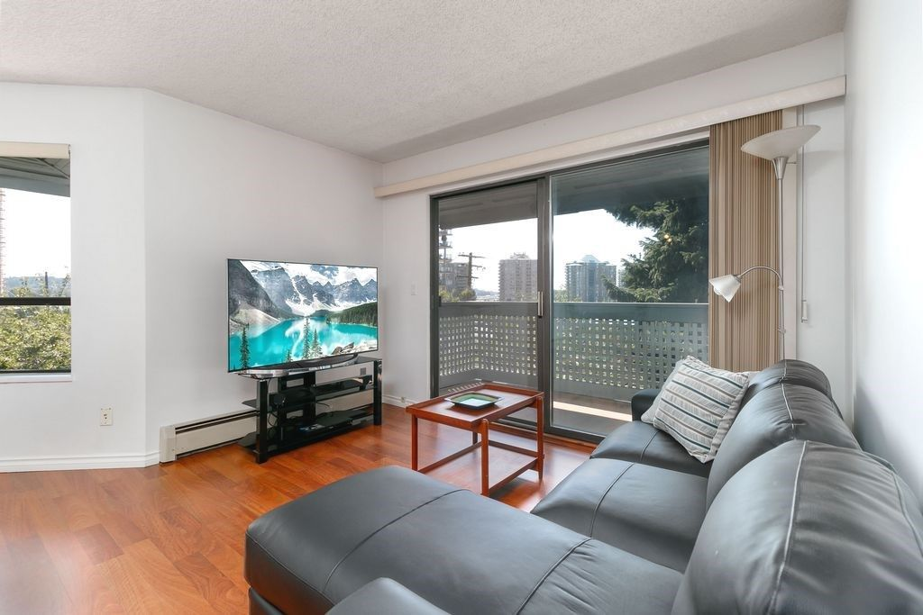 Photo 1: Photos: 304 109 TENTH Street in New Westminster: Uptown NW Condo for sale : MLS®# R2296434