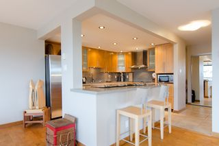 """Photo 16: 202 1490 PENNYFARTHING Drive in Vancouver: False Creek Condo for sale in """"HARBOUR COVE"""" (Vancouver West)  : MLS®# V977927"""