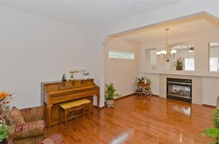 Photo 6: 70 Cresthaven Way SW in Calgary: Crestmont Detached for sale : MLS®# C4285935