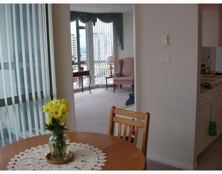 """Photo 4: 1004 140 E 14TH Street in North_Vancouver: Central Lonsdale Condo for sale in """"SPRING HILL"""" (North Vancouver)  : MLS®# V711586"""