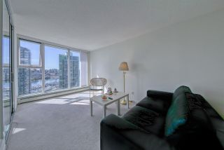Photo 4: 1806 1009 EXPO Boulevard in Vancouver: Yaletown Condo for sale (Vancouver West)  : MLS®# R2591723
