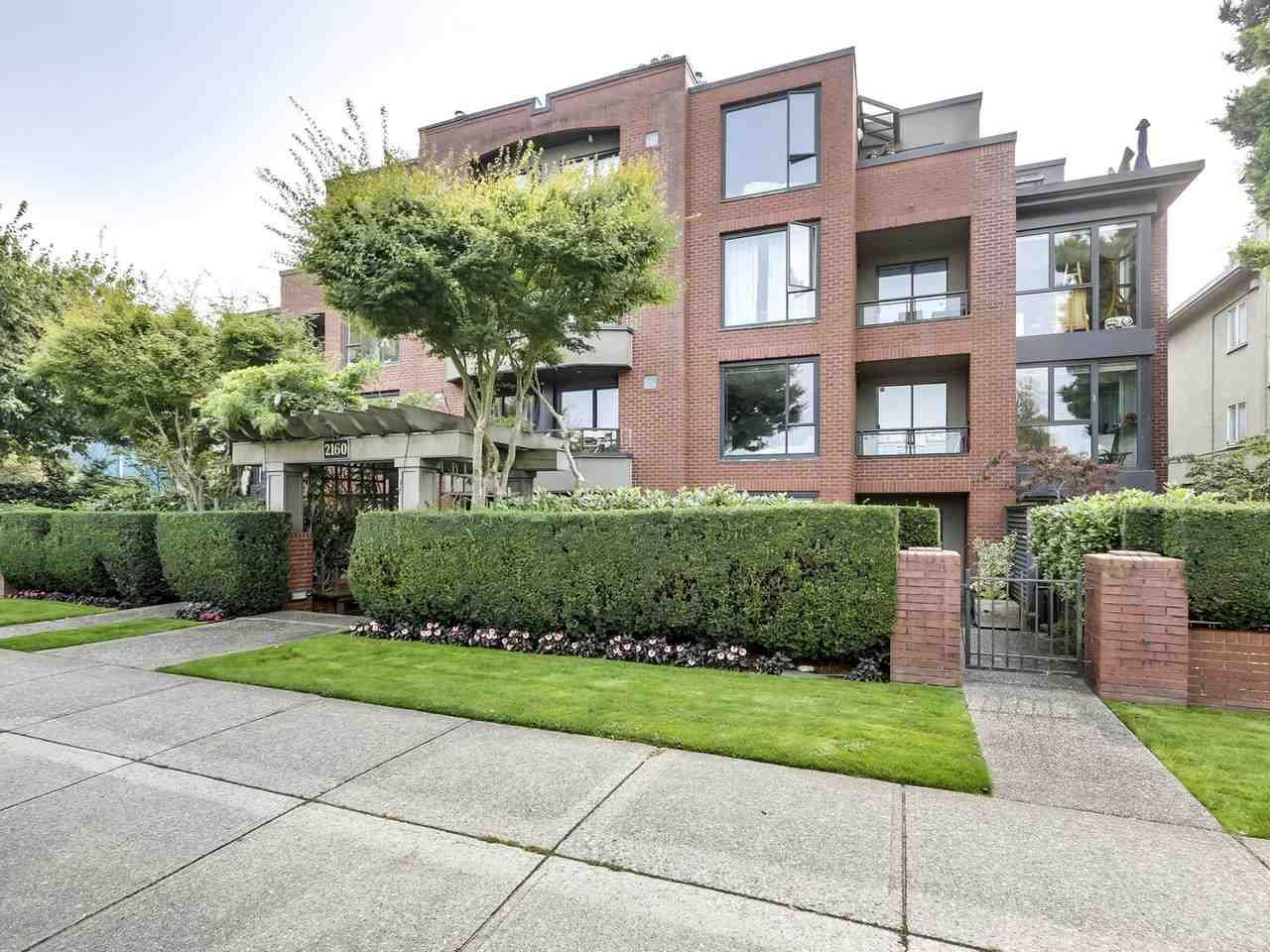 Main Photo: 203 2160 Cornwall Avenue in West Vancouver: Kitsilano Condo for sale (Vancouver West)