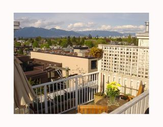 """Photo 4: 3727 W 10TH Ave in Vancouver: Point Grey Townhouse for sale in """"THE FOLKSTONE"""" (Vancouver West)  : MLS®# V644591"""