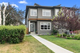 Photo 3: 4438 19 Avenue NW in Calgary: Montgomery Semi Detached for sale : MLS®# A1135824