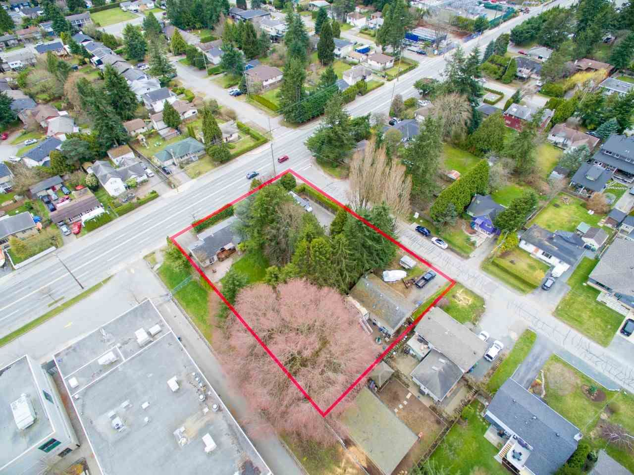 Main Photo: 15729 16 Avenue in Surrey: Sunnyside Park Surrey House for sale (South Surrey White Rock)  : MLS®# R2249148