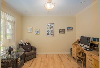 Photo 3: 2017 7 Avenue SE in Calgary: House for sale