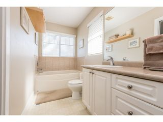 """Photo 13: 18186 66A Avenue in Surrey: Cloverdale BC House for sale in """"The Vineyards"""" (Cloverdale)  : MLS®# R2186469"""