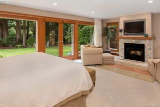 Photo 10: 1300 Clayton Rd in NORTH SAANICH: NS Lands End House for sale (North Saanich)  : MLS®# 820834