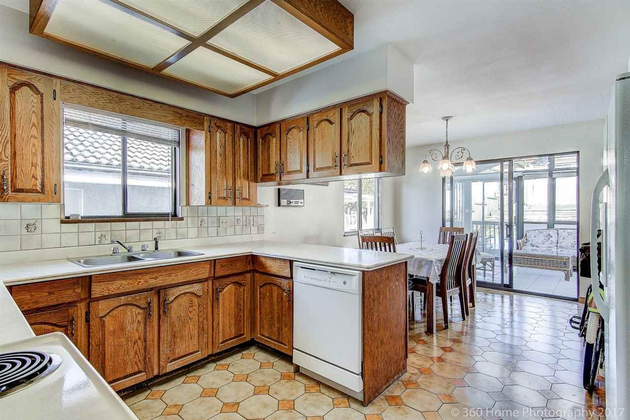 Photo 7: Photos: 5351 FRANCES Street in Burnaby: Capitol Hill BN 1/2 Duplex for sale (Burnaby North)  : MLS®# R2137960