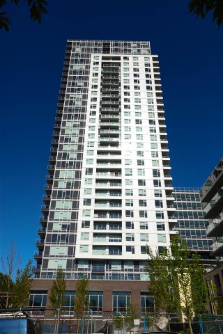 """Photo 1: 2901 5515 BOUNDARY Road in Vancouver: Collingwood VE Condo for sale in """"WALL CENTRE CENTRAL PARK"""" (Vancouver East)  : MLS®# R2293643"""