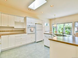 Photo 5: 7989 Simpson Rd in : CS Saanichton House for sale (Central Saanich)  : MLS®# 855130