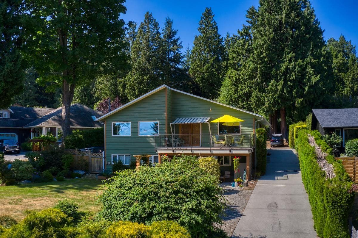Main Photo: 1212 GOWER POINT Road in Gibsons: Gibsons & Area House for sale (Sunshine Coast)  : MLS®# R2605077