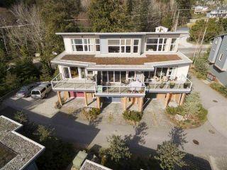 "Photo 2: 5396 WAKEFIELD BEACH Lane in Sechelt: Sechelt District Townhouse for sale in ""Wakefield Beach - Phase 1"" (Sunshine Coast)  : MLS®# R2135768"