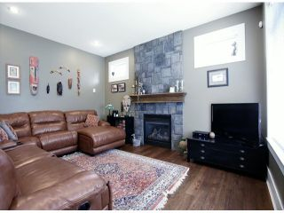 """Photo 2: 4342 BLAUSON Boulevard in Abbotsford: Abbotsford East House for sale in """"AUGUSTON"""" : MLS®# F1417968"""