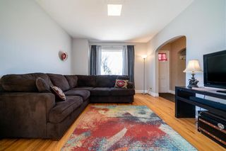 Photo 8: 315 SACKVILLE Street in Winnipeg: St James Residential for sale (5E)  : MLS®# 202105933