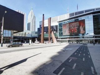 Photo 2: 14 York St Unit #4003 in Toronto: Waterfront Communities C1 Condo for sale (Toronto C01)  : MLS®# C3706392