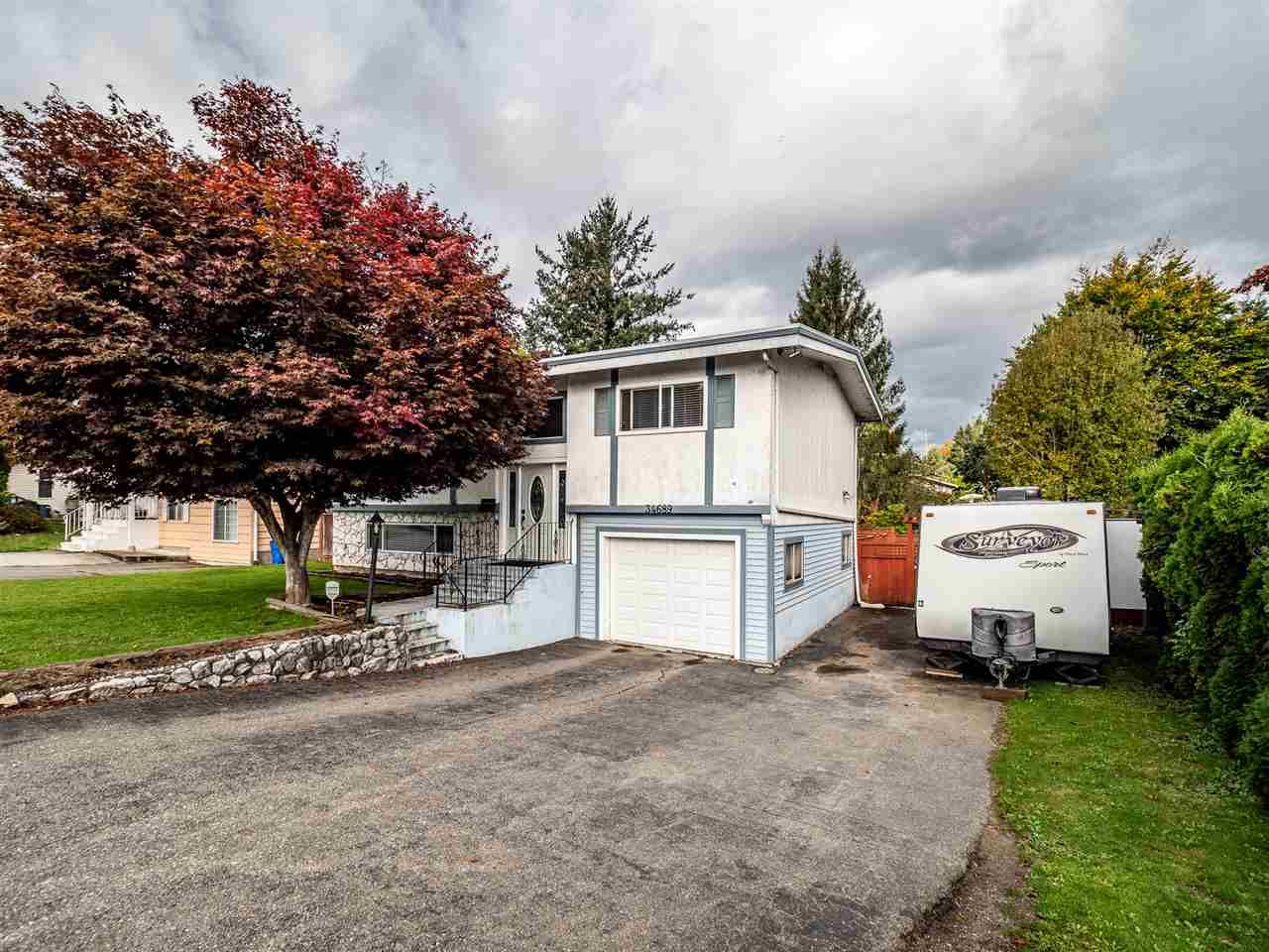Main Photo: 34689 MARSHALL ROAD in Abbotsford: Abbotsford East House for sale : MLS®# R2511278