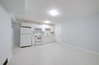 Photo 4: 2236 E 34TH Avenue in Vancouver: Victoria VE House for sale (Vancouver East)  : MLS®# R2425951