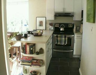 """Photo 5: 8680 FREMLIN Street in Vancouver: Marpole Condo for sale in """"COLONIAL ARMS"""" (Vancouver West)  : MLS®# V618149"""