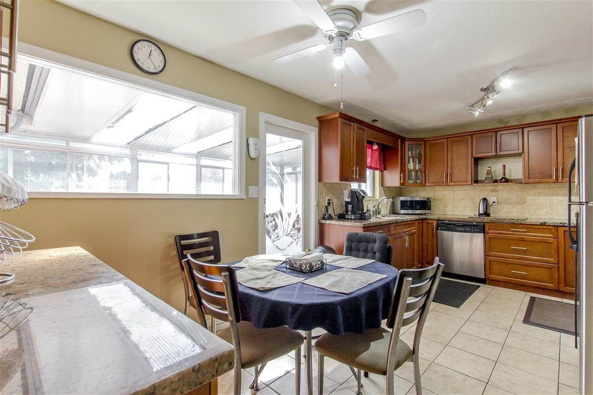 Photo 5: Photos: 5156 ABERDEEN Street in Vancouver: Collingwood VE House for sale (Vancouver East)  : MLS®# R2303162
