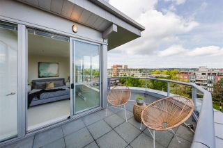 """Photo 17: 704 2655 CRANBERRY Drive in Vancouver: Kitsilano Condo for sale in """"NEW YORKER"""" (Vancouver West)  : MLS®# R2579388"""
