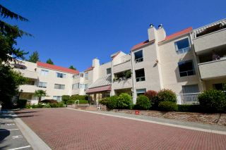 "Photo 3: 216 1441 GARDEN Place in Delta: Cliff Drive Condo for sale in ""MAGNOLIA/GARDEN PLACE"" (Tsawwassen)  : MLS®# R2430768"