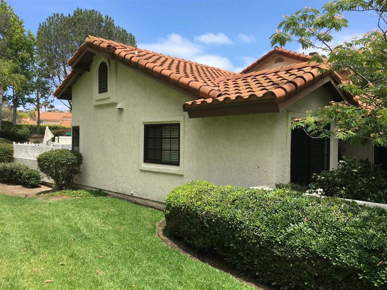 Photo 3: Photos: EAST DEL MAR Townhouse for sale : 2 bedrooms : 12984 Candela Pl in San Diego