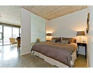 """Photo 4: 104 388 W 1ST Avenue in Vancouver: False Creek Condo for sale in """"THE EXCHANGE"""" (Vancouver West)  : MLS®# V979976"""