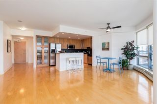 Photo 2: 2504 1078 6 Avenue SW in Calgary: Downtown West End Apartment for sale : MLS®# C4264239