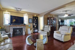 """Photo 3: 68 20738 84 Avenue in Langley: Willoughby Heights Townhouse for sale in """"Yorkson Creek North"""" : MLS®# R2157902"""