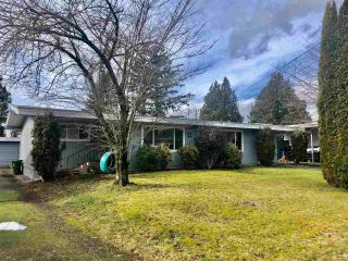 Photo 1: 9395 CARLETON Street in Chilliwack: Chilliwack E Young-Yale Duplex for sale : MLS®# R2541097