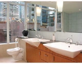 Photo 6: 1249 W CORDOVA Street in Vancouver: Coal Harbour Townhouse for sale (Vancouver West)  : MLS®# V659171